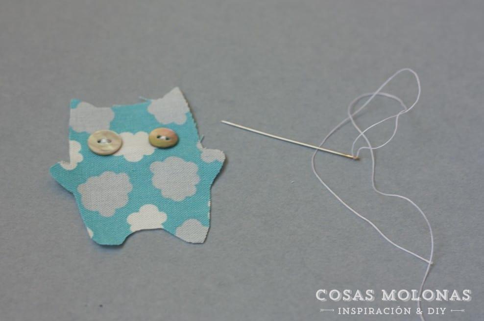 DIY Marcapáginas con peluche y goma elástica