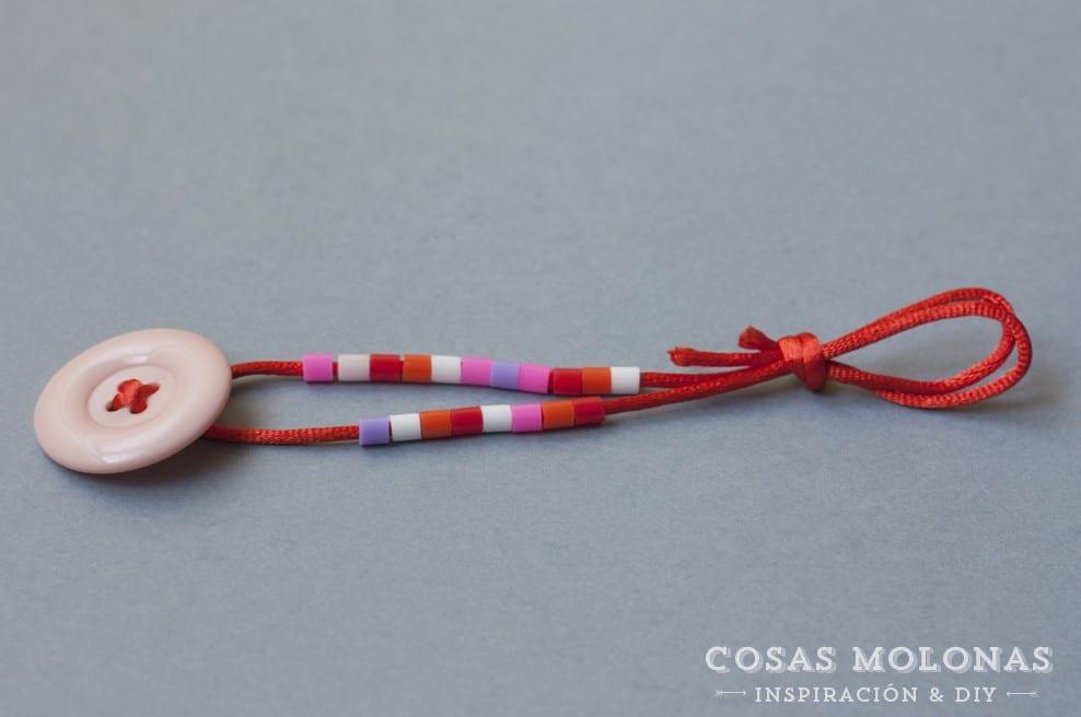DIY Pulsera infantil con botón y pyssla