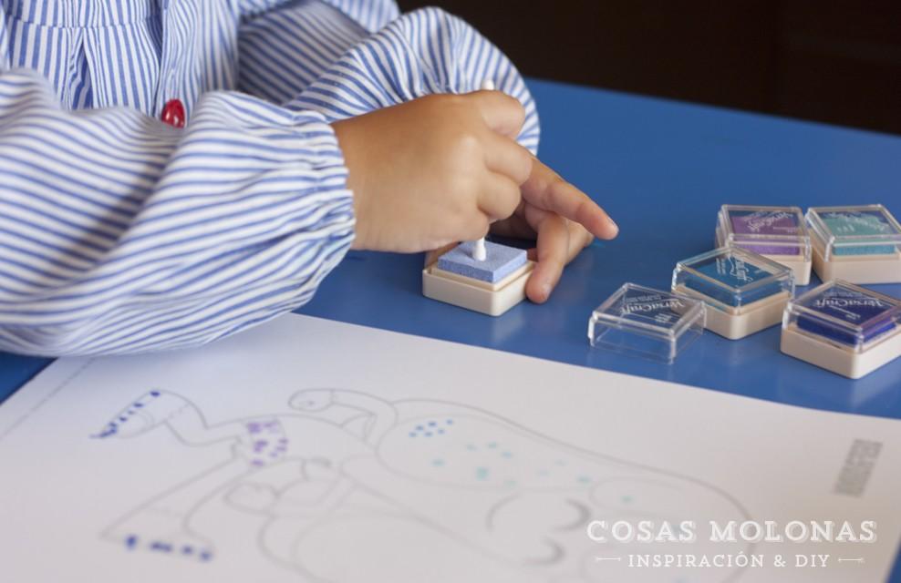 Manualidades para niños: Puntillismo estampando con bastoncillos de algodón