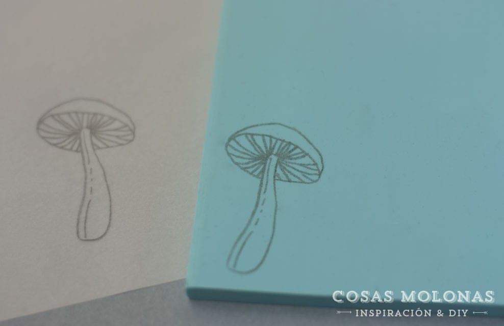 Como transferir un dibujo a una plancha de carvado de sellos