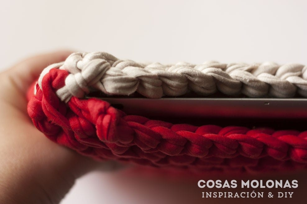 DIY Funda para Ipad de trapillo a dos agujas (nivel principiante) / blog.cosasmolonas.com