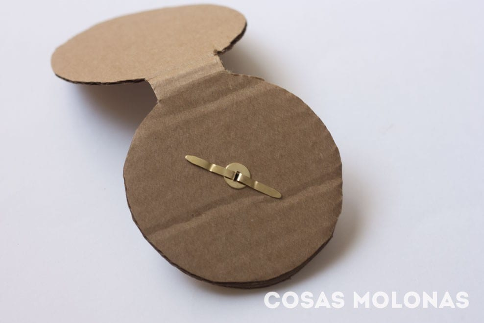 C mo hacer una br jula de cart n cosas molonas diy blog - Como hacer un reloj de pared ...