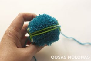 how-to-use-pom-pom-maker