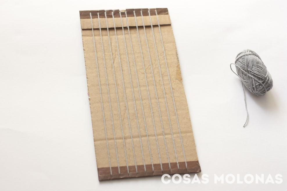 Telar de cartón reciclado