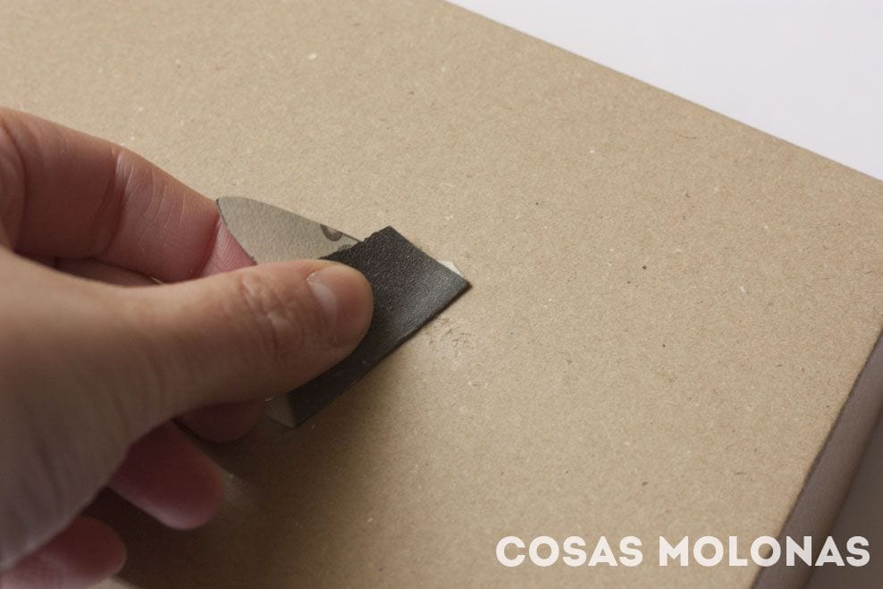 DIY Caja de cartón bordada a punto de cruz
