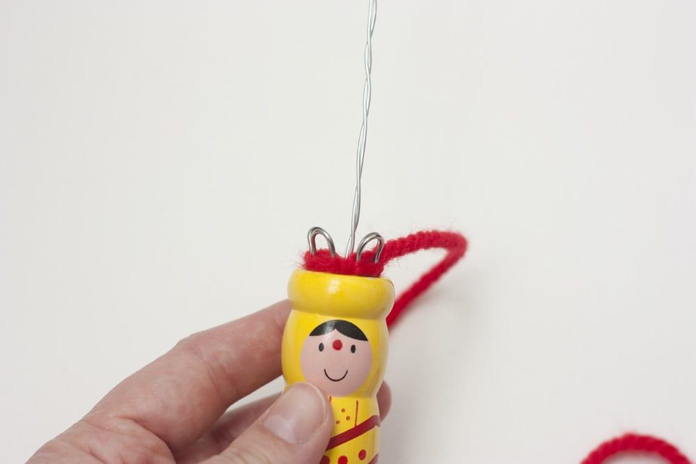 DIY / Letrero tejido con tricotín en www.cosasmolonas.com