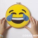 emoji-risa