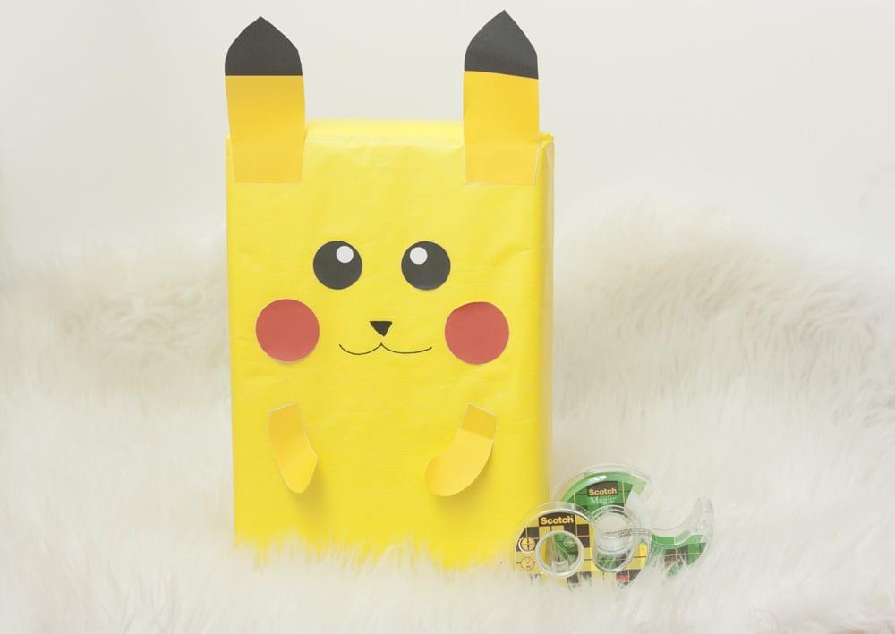DIY / Envuelve tus regalos como «Pikachu» (Pokémon)
