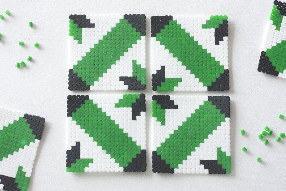 """DIY / Posavasos """"baldosas hidráulicas"""" de hama beads"""